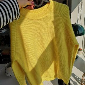 Super frisk og fin envii sweater i gul