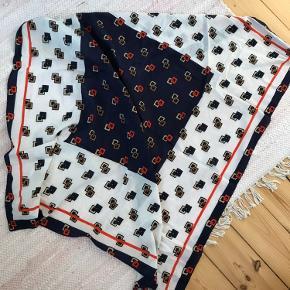 Tørklæde i målene 105x105