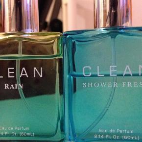 Varetype: Eau de parfume Størrelse: 60ml Farve: Grøn,Turkis  Sælger de her enten samlet eller hver for sig, der er stadig over halvdelen tilbage i flaskerne og det er 60ml. Byd  Jeg er i gang med at få ryddet ud og giver mængde rabat, så tjek mine andre annoncer ud !