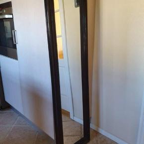 Sort spejl købt i Bahne   Længde : 158 cm Bredde   : 44 cm