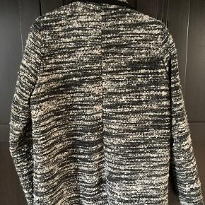 Super flot blazer i 40% uld  i sort/grå
