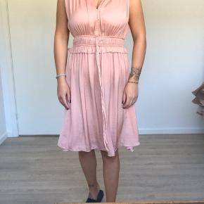Super sød kjole som er helt som ny 🌸