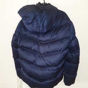 Gant vinterjakke - dun. Størrelse medium. Brugt 1 vinter. Forsendelse 40 kr
