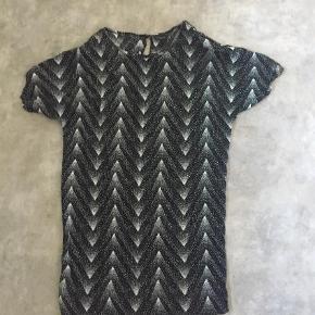 Fin kjole, brugt og vasket 1 gang  Andet Farve: Sort Oprindelig købspris: 599 kr.