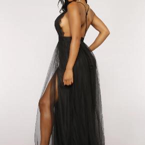 Sort Fashion Nova kjole, aldrig brugt