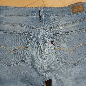 Der står leggings i dem. Jeg synes bare, det er tætte jeans Str er 29/30