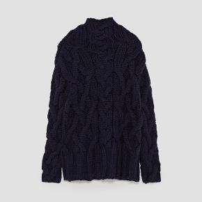 Jeg sælger denne dejlige oversize strik fra Zara 😄 Brugt omkring fem gange.