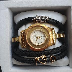 Christina Jewelry & Watches Ur