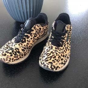 Rigtig fine sneakers Str 37