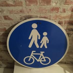 vejskilt, P+H cykel og gående. Diameter 70cm. Lette skrammer. 75kr Kan hentes Kbh V