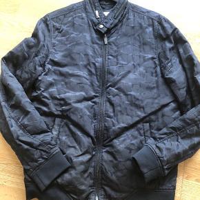 Camouflages jakke