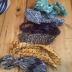 Hårbånd og en enkelt hårelastik (den gule). Køb alle for 50 ellers 20 kr pr stk. Forskellige mærker.