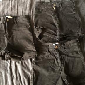 Sælger disse højtaljede shorts fra gina tricot mærket Molly de er brugt få gange så fejler intet sælger den da jeg ikke får dem brugt mere nypris var 249 kr stykket. Et par tilbage 😊