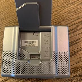 Navigation/GPS, Garmin Nüvi 350 Euro  Ældre GPS inkl etui og kabel til bilenscigarettænderstik.  Måler ca 10x7 og gunderer. Se nettet for yderligere specifikationer