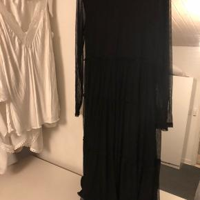 Sort kjole str xl.