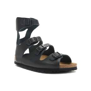 BEMÆRK - SKOEN ER 38, MEN PASSER 39!  Helt nye Athens Birkenstock sandaler i sort MAT læder (ikke skinnende/uden glans) - brugt 3 gange men desværre ikke velegnede til mine fødder. Rigtig behagelige og flotte sandaler. Er åben for bud!