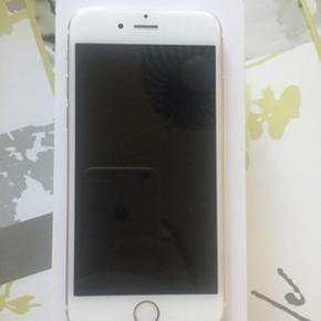 Perfekt Iphone 6 128 gb guldFejler intet fremstår som nyt.