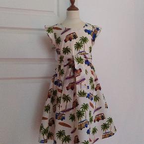 JAMBYMAJ Ny kjole syet i fast bomuld Lynlås i nakken