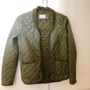 Super fed samsøe&samsøe jakke. Købt herinde, men jeg har for fede arme til den😏  🎈se også mine øvrige annoncer🎈