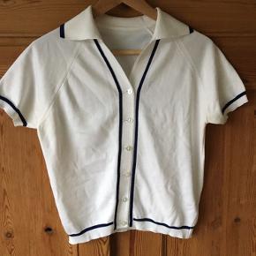 Vintage cardigan med matros-vibe. 🛶