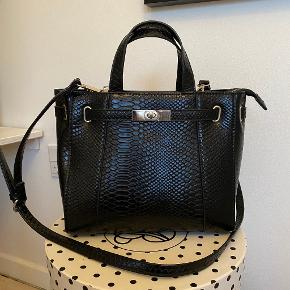 Stradivarius håndtaske