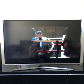 "Samsung 43"" full HD Smart tvVery good stand. Next new https://www.samsung.com/dk/tvs/full-hd-j5505/UE43J5505AKXXE/"