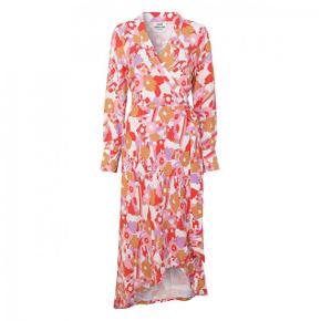 Helt ny kjole fra Mads Nørgaard, aldrig brugt og stadig med prismærke!