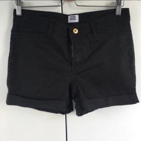 Vero moda shorts str. 28 - svarer til str. M. Brugt få gange