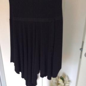 Mærke Jud` orange Paris Super lækker nederdel falder flot Der er elastik i taljen