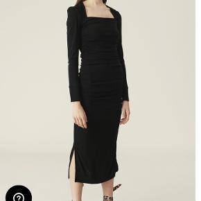 Fantastisk fin kjole fra Ganni. Hel ubrugt.