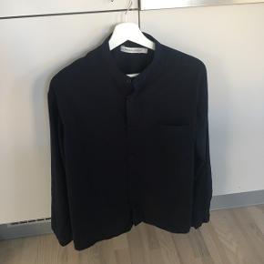 Super flot silkeskjorte fra Prairie for Weekday by Matthe Wames