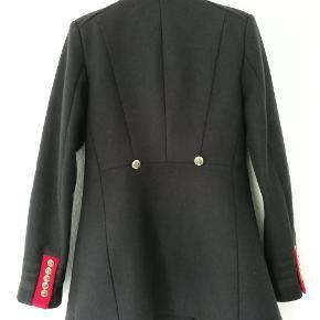 Zara Navy military coat. Str M men passer S bedre. Ny pris 600 dkk