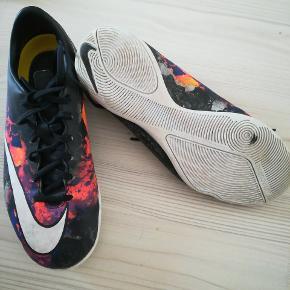 Indendørs sko fra Nike. Brugt en sæson..
