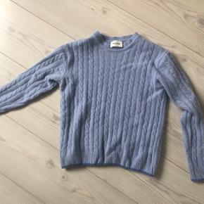 Varm Lækker flot blå trøje fra Wood Wood str s/xs