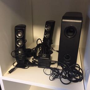Creative højtalersæt med 2 højtalere og 1 Bas