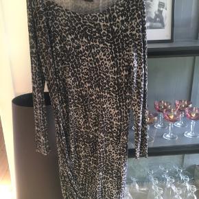 Smuk leopard kjole