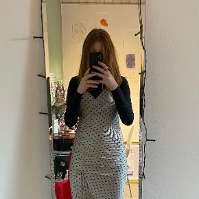Bershka kjole
