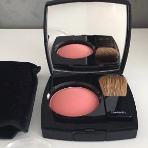 Chanel Blush i farven 440 Quintessence. Den er brugt 2 gange.