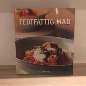 Forskellige madbøger, de fejler ikke noget.  Stk. Pris 10kr
