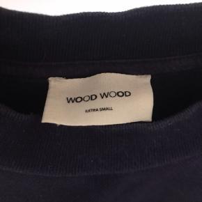 Sælger min Wood Wood t-shirt, da den er blevet for lille. Den er stadig i rigtig god stand.