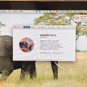 MacBook Pro (13-inch, mid 2012)  Sælger min macbook pro, da den ikke bliver brugt længere. Den er super studievenlig, en af de mest populære macbook pros nogensinde.  Har mindre kosmetiske skrammer og ridser, men ingen som forstyrrer billedet.  Der mangler en gummidut i bunden, men det betyder intet, evt kan der puttes ens egen gummidut.  Opladeren virker helt fint, men der skal nok investeres i en ny på et tidspunkt. Bla også erfor prisen er så lav.  Skriv dm for flere billeder  Pris er fast, men kan godt justeres ved hurtigt køb.  Ny pris var 9.699.- God dag 🌦
