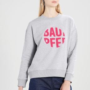 Sweatshirt fra Baum und pherdgarten, brugt få gange.