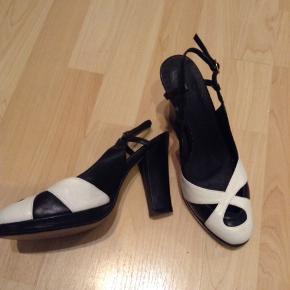 Friis & Company heels