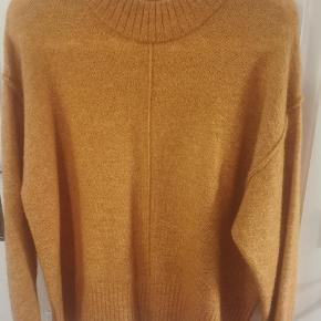 Levete sweater
