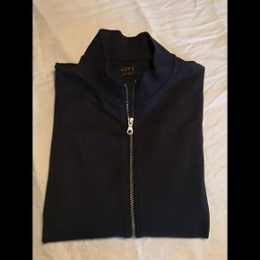 Sælger denne trøje fra mærket ADPT, som fremstår i god stand. Nyprisen var 400.  Tag også et kig på mine andre annoncer - ved køb af flere ting finder vi en god pris.