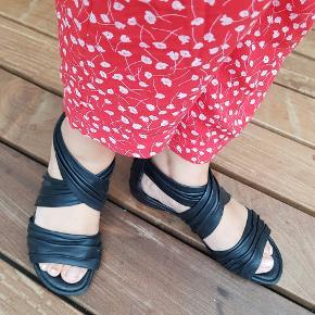 Super fine sandaler, bærer ikke præg af særlige brugsspor ✌😊
