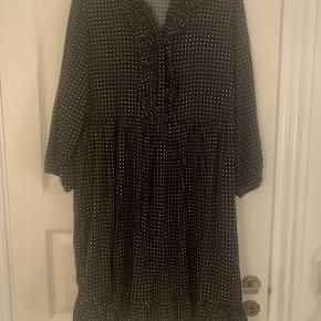 Month of May kjole.  Størrelse: s/m  Brugt 1 gang  Bytter ikke Bud er plus porto