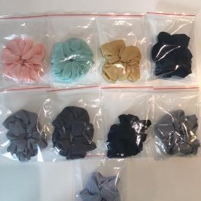 Super fine scrunchies.  Helt nye og ikke hjemmelavede.  Flere forskellige farver. Sælges for 30 kr stk Sendes fra 10 kr med PostNord