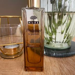Nuxe parfume