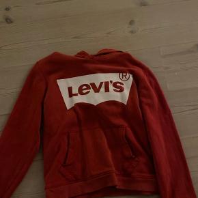 (Skriv privat for mer info) køb den her mega fede trøje den passer til mange forskellige slags bukser. De er lidt små i størrelsen